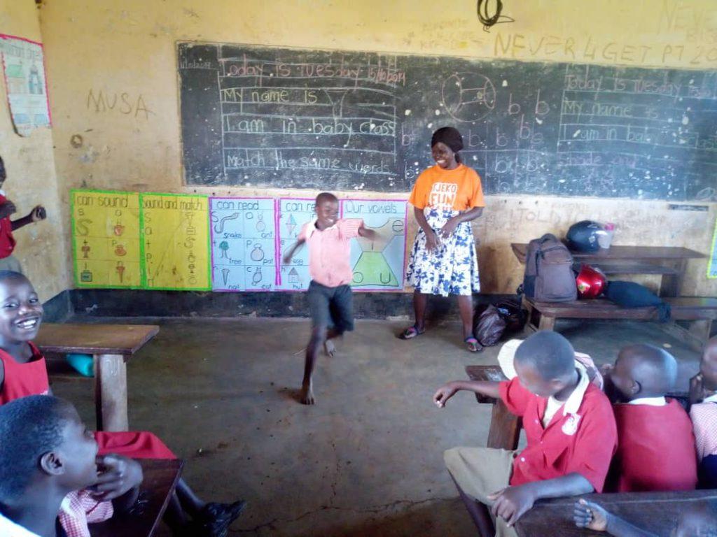 tjeko live jinja uganda dance child