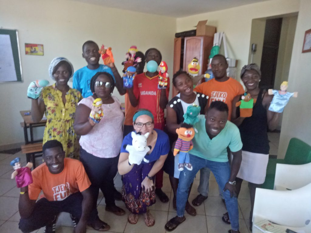 tjeko speltherapeut workshop uganda jinja team play fun