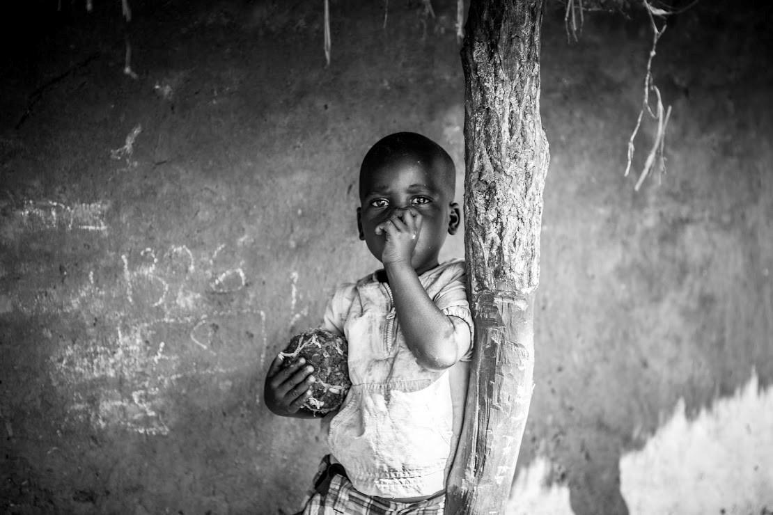 Radio Uganda tjeko corona kinderen bereiken